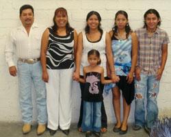 Roberto, Esperanza, Jazmin, Fabiola, Betillo & Ximena Rubio Mexico